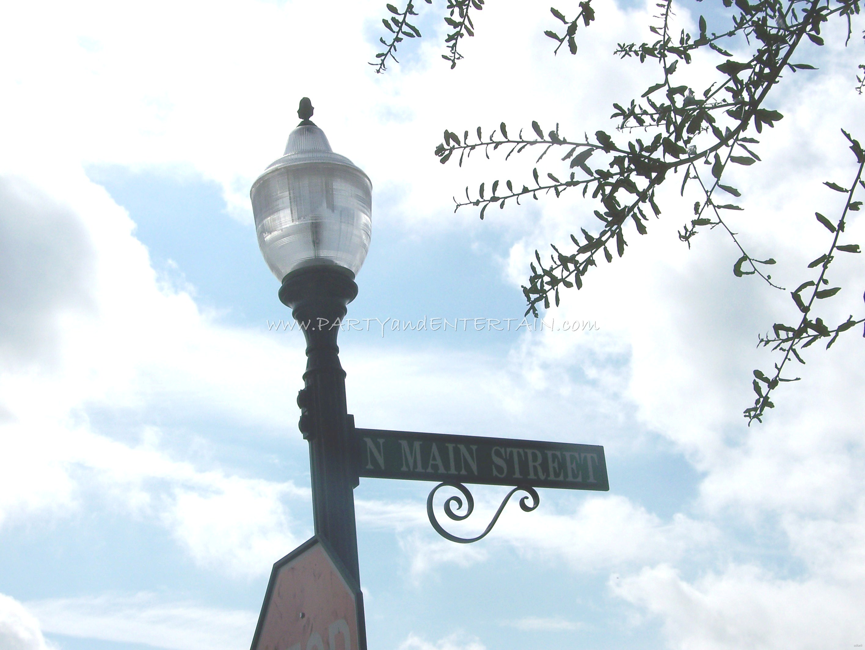 Main Street lamp post Winter Garden